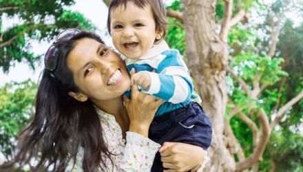 Bébé et assistante maternelle