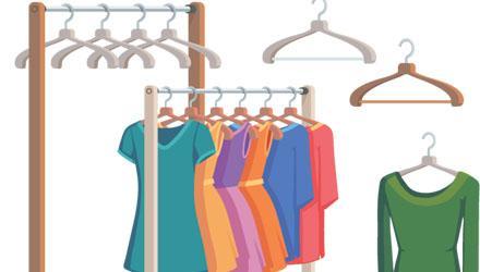 Vêtements sur des portants